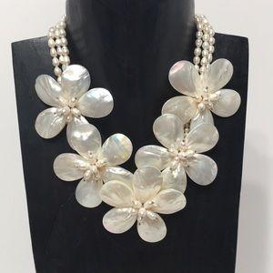 Pearl flower statement handmade necklace❤️